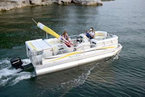 l_Fisher_Boats_-_Freedom_220_DLX_2007_AI-255466_II-11562939