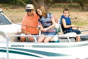 l_Fisher_Boats_-_Freedom_220_DLX_Fish_2007_AI-255469_II-11563083
