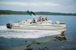 Fisher Boats Freedom 220 DLX Fish Pontoon Boat