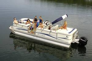 l_Fisher_Boats_-_Freedom_240_DLX_2007_AI-255482_II-11563463