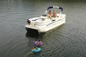 l_Fisher_Boats_-_Freedom_240_DLX_2007_AI-255482_II-11563471