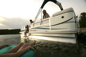 l_Fisher_Boats_Freedom_221_DLX_2007_AI-255472_II-11563164