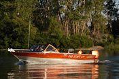 l_s-lacey20boat20020