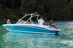 2011 - Four Winns Boats - H220