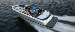 2015 - Four Winns Boats - H210