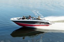 2020 - Four Winns Boats - HD200 RS Surf