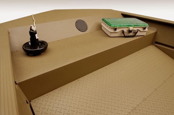 l_skid-resistant-floor-step