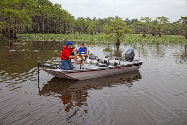 l_eagle_176_vinyl_fishing_1