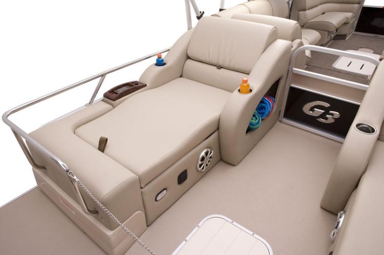 l_elite_322_ss_stern_seating1