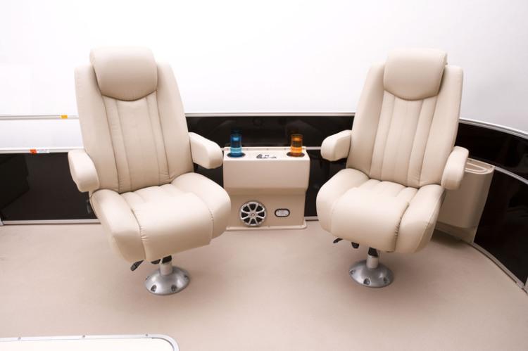 l_elite_325_dlx_captain_s_chairs1