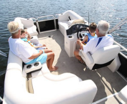 2010 - Gillgetter Pontoon Boats - 820 LS Cruise