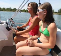 2010 - Gillgetter Pontoon Boats - 613 Tiller