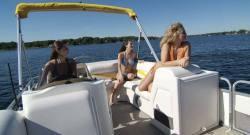Gillgetter Pontoon Boats 720 SE