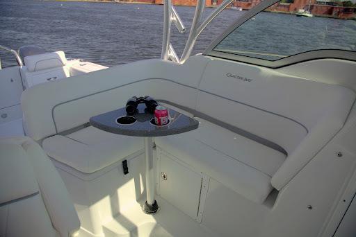 l_glacierbay2780_cockpittable