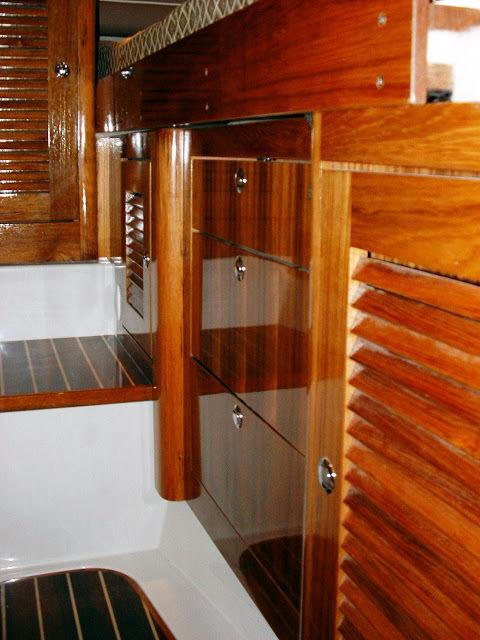 l_glacierbay3470_cabinstorage