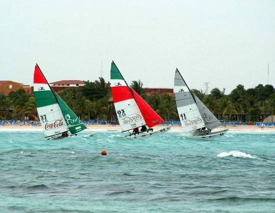 l_Hobie_Cat_Boats_-_16_2007_AI-255484_II-11563512