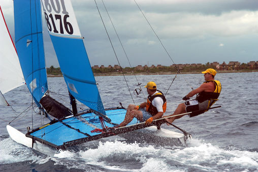 l_Hobie_Cat_Boats_-_16_2007_AI-255484_II-11563516