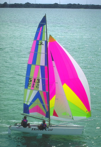 l_Hobie_Cat_Boats_-_Miracle_20_2007_AI-255515_II-11563860