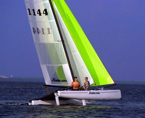 l_Hobie_Cat_Boats_-_Tiger_2007_AI-255512_II-11563795