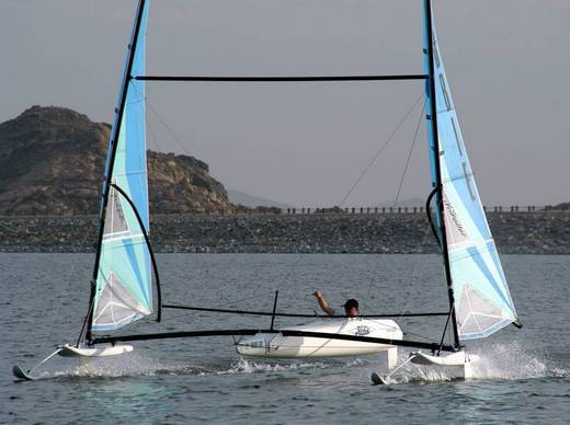 l_Hobie_Cat_Boats_-_Trifoiler_2007_AI-255518_II-11564065