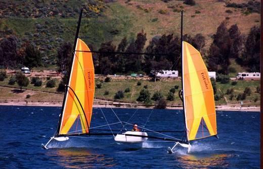 l_Hobie_Cat_Boats_-_Trifoiler_2007_AI-255518_II-11564080