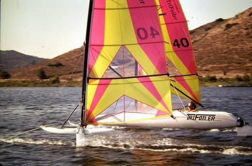 l_Hobie_Cat_Boats_-_Trifoiler_2007_AI-255518_II-11564082