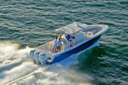 2019 - Invincible Boats - 42- Center Cabin