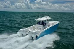 2020 - Invincible Boats - 37- Catamaran