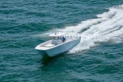 2020 - Invincible Boats - 40- Catamaran