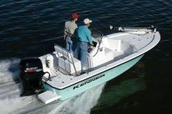 Kenner Boats 1800 Tunnel Bay Boat