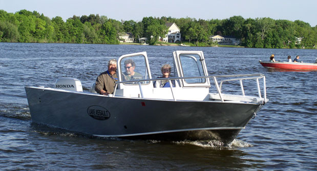 Research 2015 lake assault boats 235 fishing on for Lake fishing boats