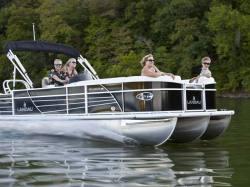 2013 - Landau Boats - Atlantis 230 Cruise