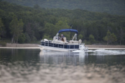 2017 - Landau Boats - A-Lure 212 CC