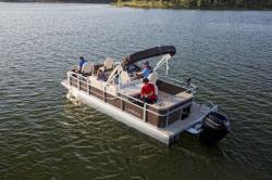 2018 - Landau Boats - 212 A-Lure Fishing