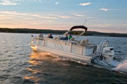 2018 - Landau Boats - 224 A-Lure Fishing