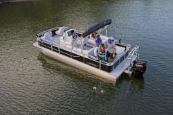 2018 - Landau Boats - 232 CC A-Lure Fishing