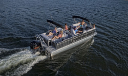 2018 - Landau Boats - 2300 Signature Cruise