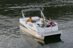 Landau Boats Atlantis 240 Pontoon Boat