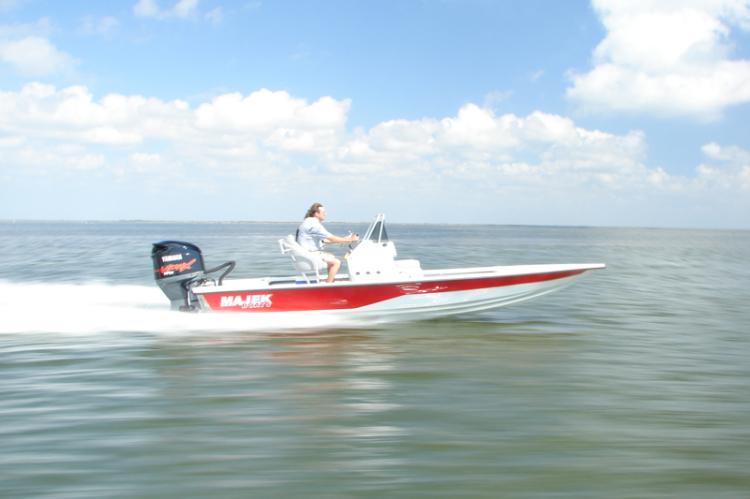 l_new20142200xtremeboatmodelmajekboats