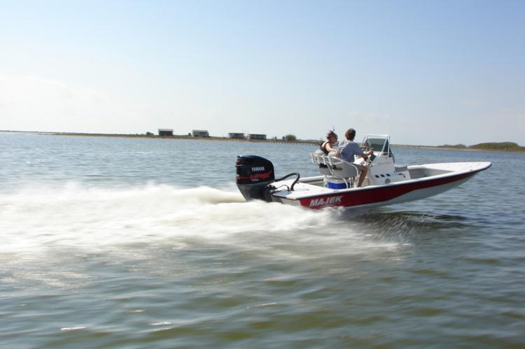 l_runningshowinthewatermajekboats