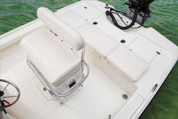 l_new2014boatseatingandcooler