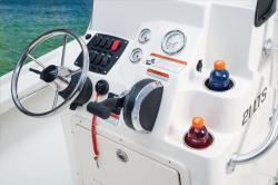2015 - Mako Boats- 21 LTS