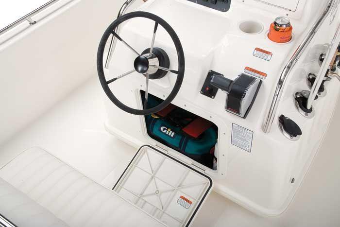 l_Mako_Boats_2101_Inshore_2007_AI-244053_II-11354265