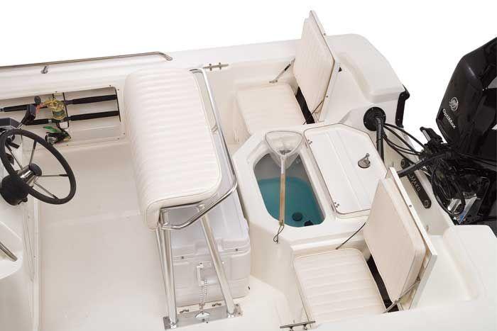 l_Mako_Boats_2201_Inshore_2007_AI-244091_II-11354694