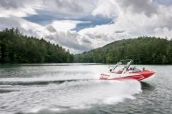 2015 - Malibu Boats CA - Wakesetter 20 MXZ