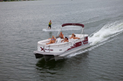 2014 - Manitou Boats - 25 X-plode