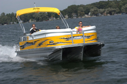 2010 - Manitou Boats - 22 X-plode Cruise