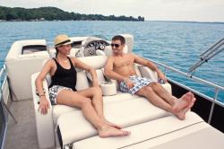 2010 - Manitou Boats - 27 Encore SES