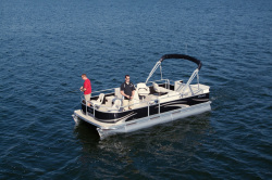 2010 - Manitou Boats - 20 Aurora Lounger