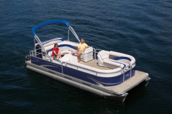 2010 - Manitou Boats - 22 Aurora Lounger